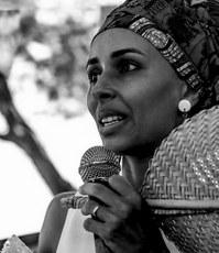 Ewebela Fernandes dedica-se à promoção e defesa dos direitos dos povos tradicionais e da cultura popular em Foz do Iguaçu