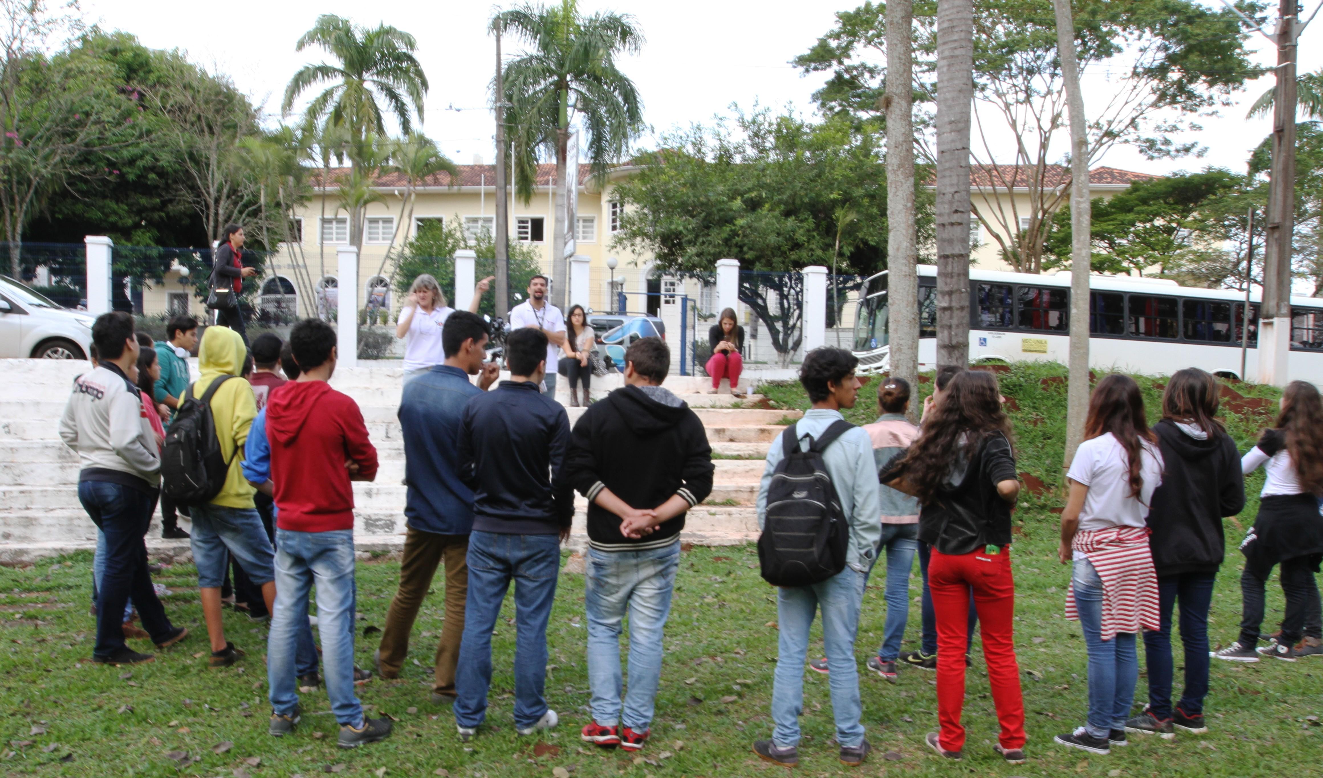 Estudantes do projeto educação patrimonial tekoha guasu