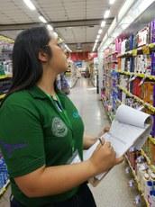 Mensalmente, alunos da UNE irão percorrer oito supermercados de Ciudad del Este anotando os preços dos 151 produtos que fazem parte da cesta básica do Paraguai