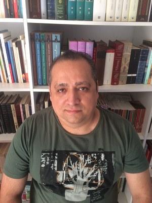 Paranaense e radicado em Foz do Iguaçu, Fábio Aristimunho Vargas é admirador dos palíndromos desde criança e ele mesmo autor de várias dessas obras