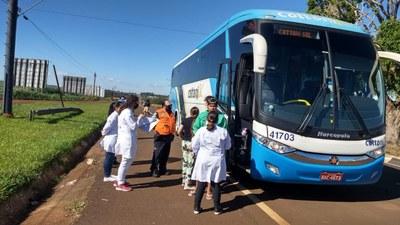 Todos os ônibus que entram em Foz pela BR 277 são parados na barreira sanitária