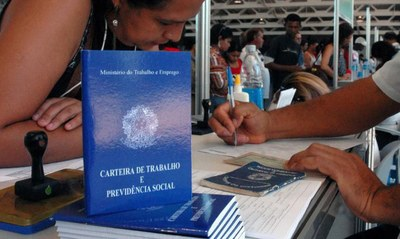 No estoque de empregos formais, Foz do Iguaçu foi o município com o maior número de demissões. Foto: Agência Brasil.