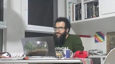 O professor Luiz Roberto Ribeiro Faria Júnior é docente do curso de Ciências Biológicas da UNILA