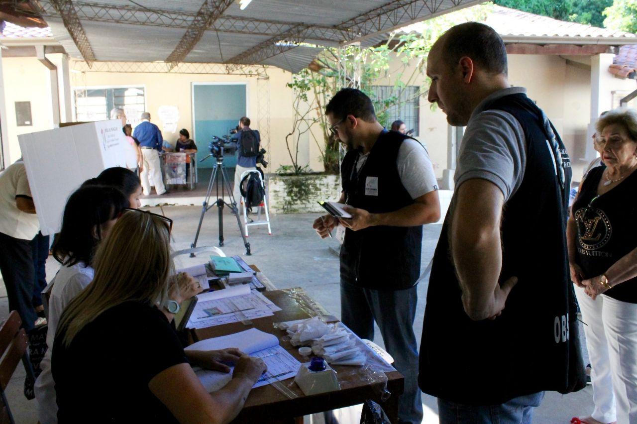 Além de presidente e vice-presidente, os paraguaios também elegeram senadores, deputados, governadores dos 17 departamentos