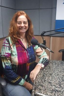 Flávia Trench é médica infectologista e docente na UNILA