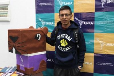 Luis Morales Cristóstomo, da Guatemala, acaba de ingressar em Medicina