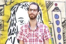 Yuri Amaral, artesão gráfico iguaçuense e autor da obra Fanzines – reflexões sobre cultura, memória e internet