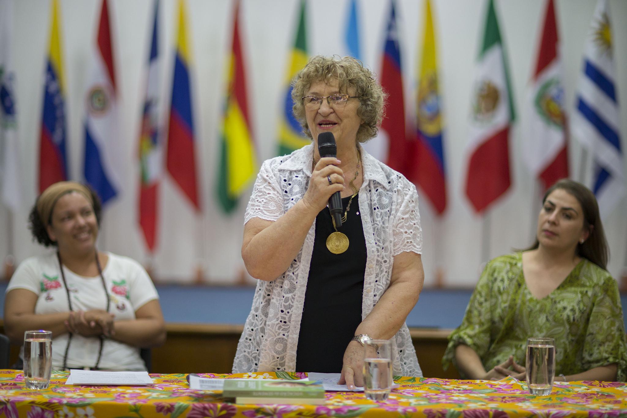 Moema Viezzer profere aula inaugural na UNILA