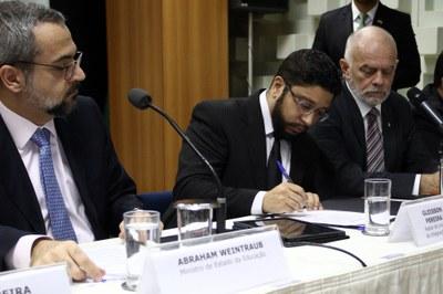 Ato foi realizado no MEC, com a presença do ministro Abraham Weintraub