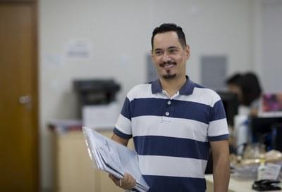 Daniel Teotonio do Nascimento é doutor em Administração pela UFMS e administrador da Seção de Convênios da UNILA