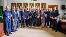 Reitores e parlamentares reuniram-se em Curitiba para discutir corte no orçamento da universidades federais