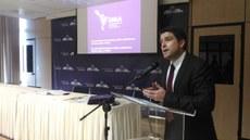 Foto do reitor Gustavo Vieira na apresentação da UNILA para representantes de 21 embaixadas, em Brasília