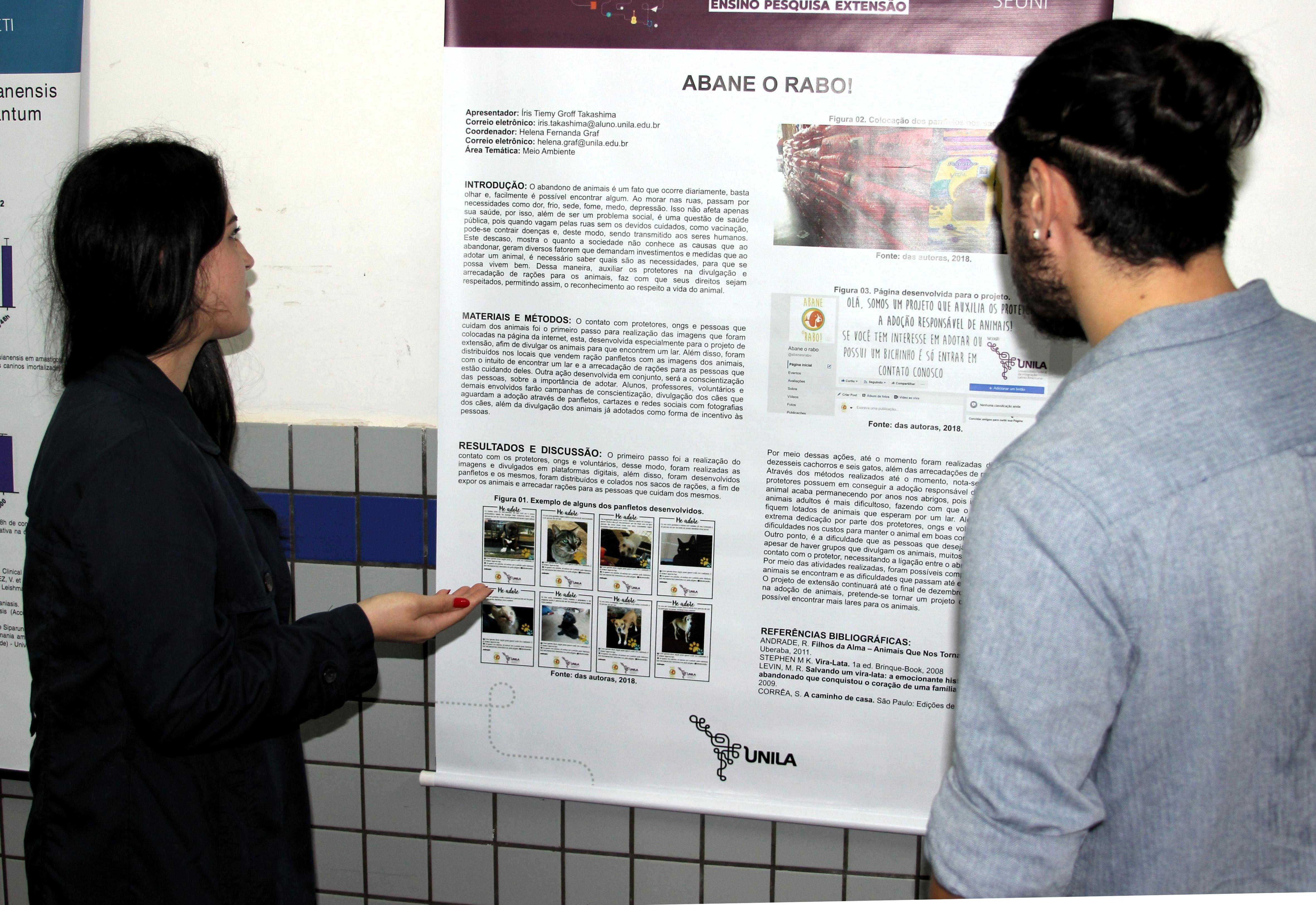 Íris apresentou a ação de extensão que visa encontrar pessoas interessadas em adotar animais abandonados