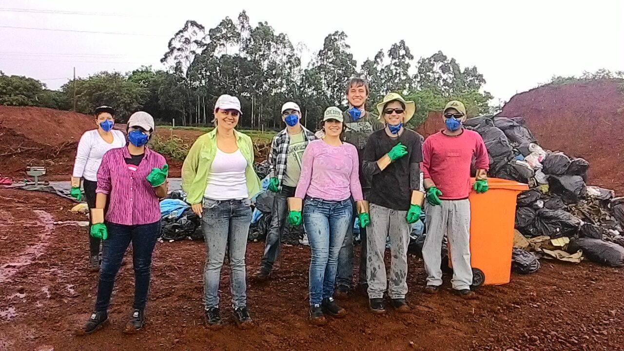 Estudantes realizaram diagnóstico do aterro de lixo de Foz do Iguaçu